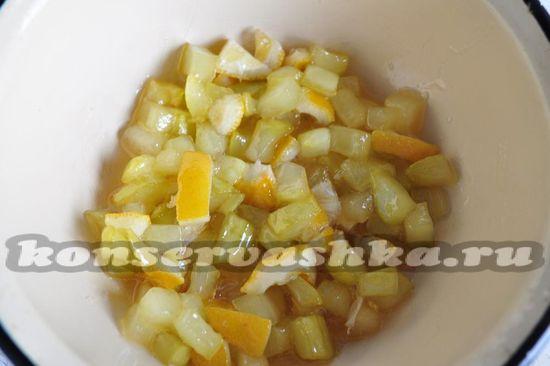 Проварим кабачковое варенье с лимоном в течении 40 минут