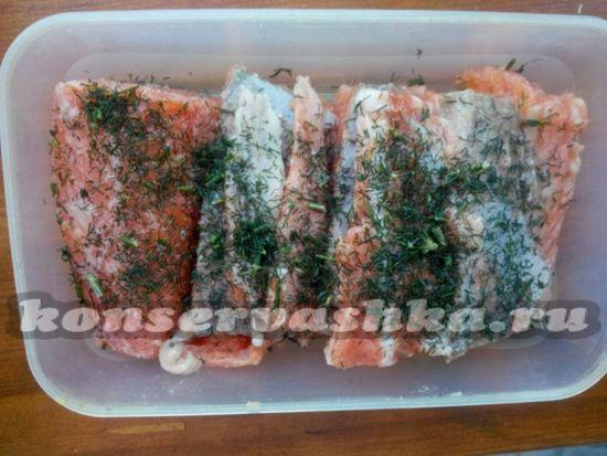 Оставляем рыбу в холодильники на 1-2 дня