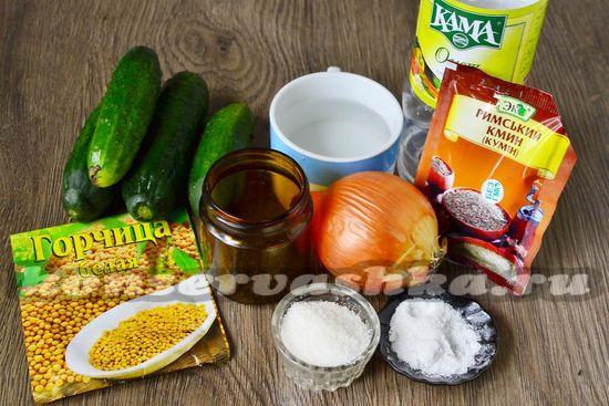 Ингредиенты для приготовления маринованных огурцов в микроволновке