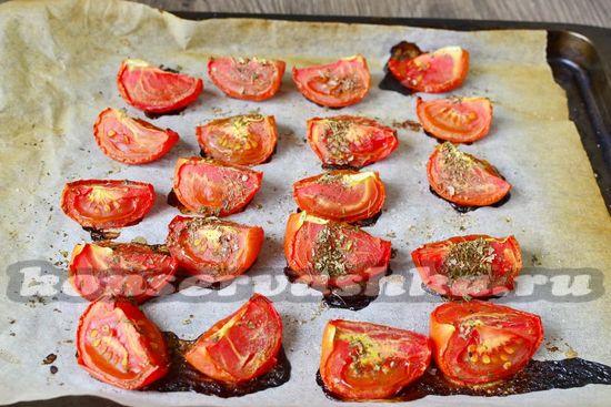 Выпекаются томаты от 1 часа до 1,5 часов