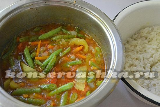 добавьте рис и уксус