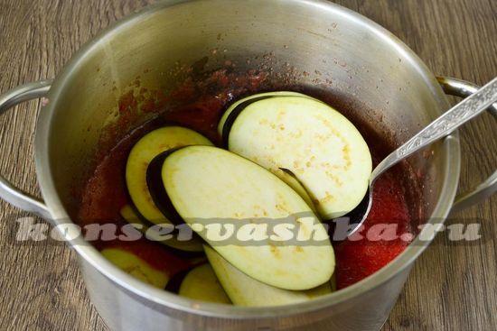 уложить баклажаны в соус