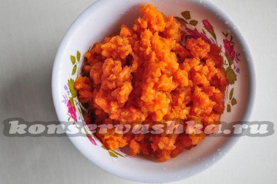 морковь перекрутим на мясорубке