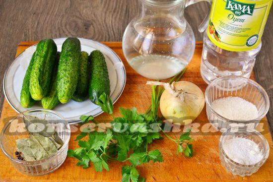 Ингредиенты для приготовления огурцов по-болгарски