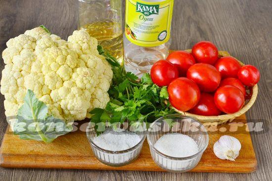 Ингредиенты для приготовления цветной капустыв томате на зиму