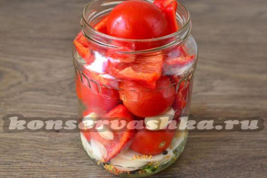 уложить помидоры