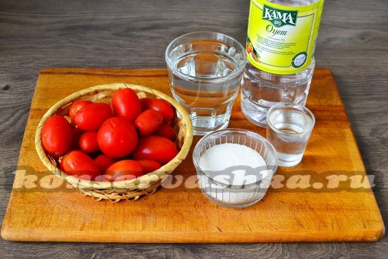 Ингредиенты для приготовления консервированных помидоров с водкой