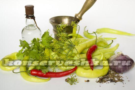 Ингредиенты для приготовления маринованного острого перца