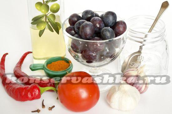 Ингредиенты для приготовления сливового соуса на зиму