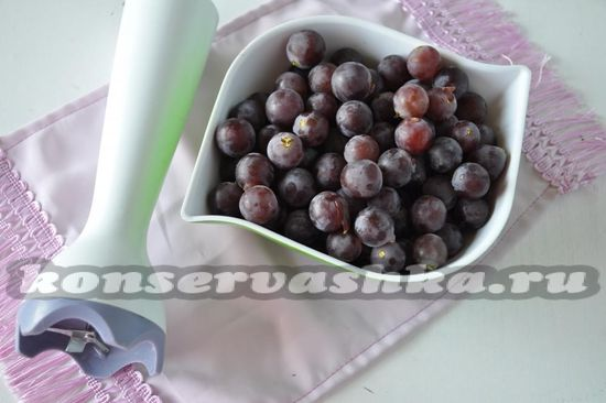 блендером пюрируем ягоды