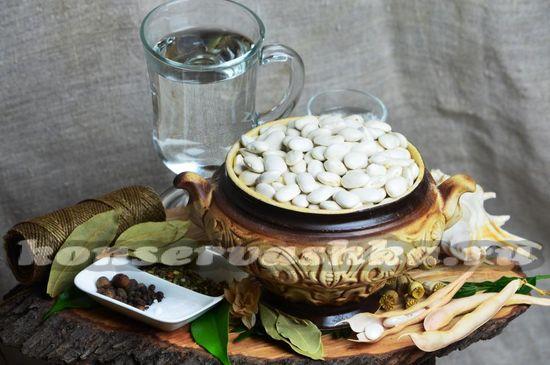 Ингредиенты для приготовления маринованной фасоли на зиму