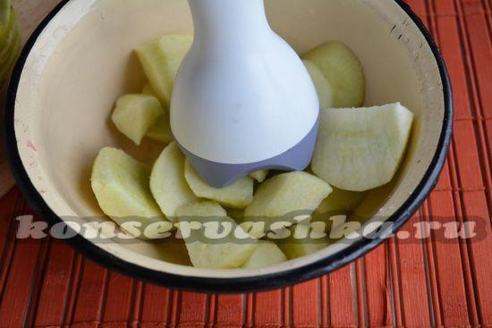 измельчите яблоки