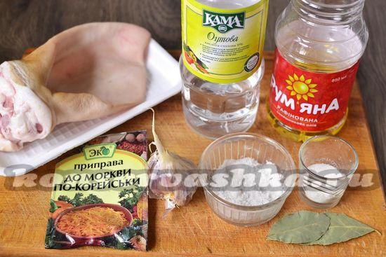 Ингредиенты для приготовления свинных ужек по-корейски