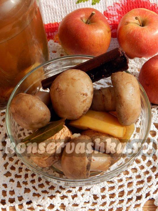 Маринованные шампиньоны с яблоком - рецепт с фото