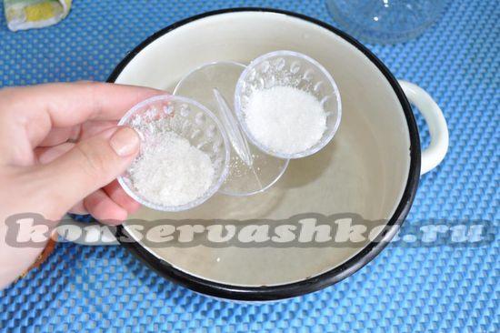 добавим соль и сахар