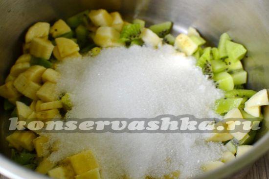 добавить сахар и сок лимона