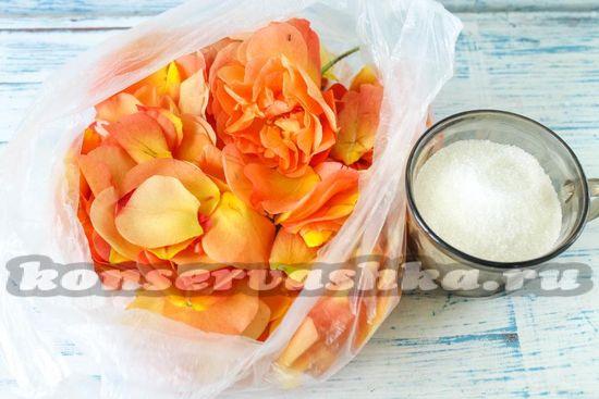 Ингредиенты для приготовления варенья из лепестков роз
