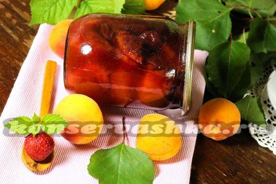 Клубнично-абрикосовое варенье-пятиминутка