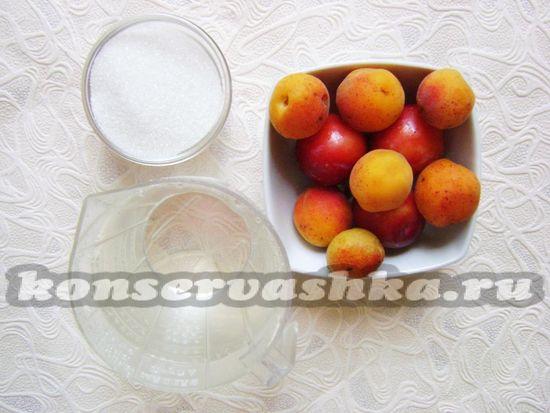Ингредиенты для приготовления компота на зиму из алычи и абрикоса