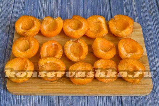 чистим абрикосы