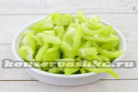 Болгарский перец нарезать