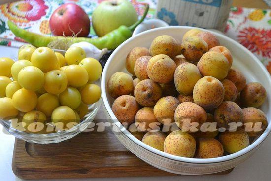 Ингредиенты для приготовления соуса из абрикос и алычи на зиму