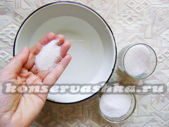 добавить сахар, соль