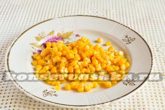 Срезать кукурузу с кочана