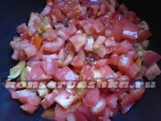 помидоры нарежьте