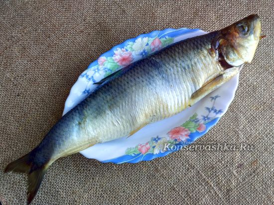 Достать рыбу