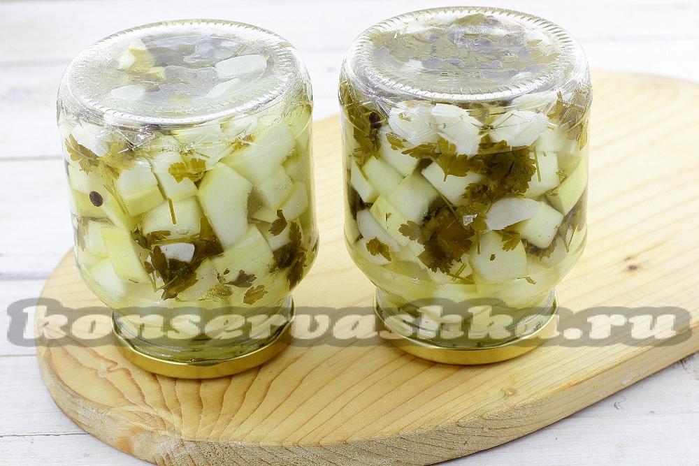 Малосольные огурцы рецепт быстрого приготовления в горячей воде в кастрюле