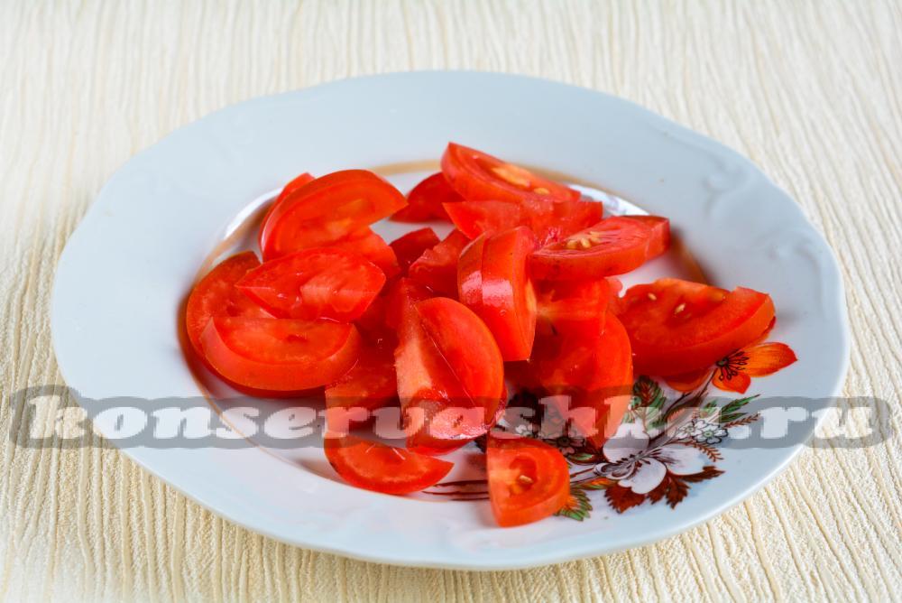 Салат из сладкого перца и помидор
