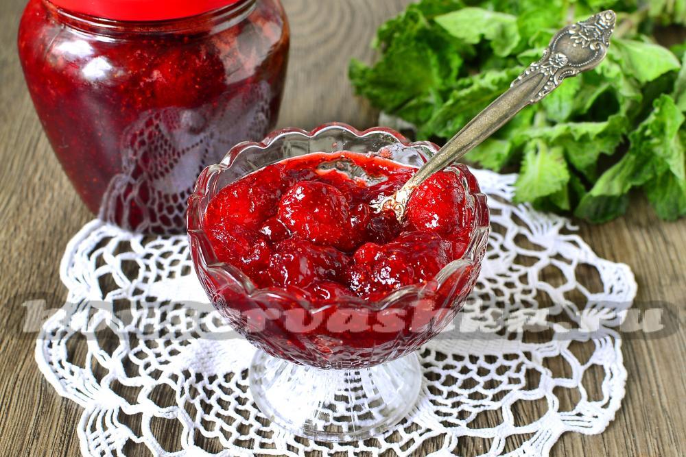 Варенье из клубники из цельных ягод