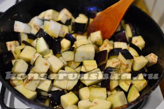 Баклажаны в майонезе со вкусом грибов на зиму